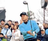 賞金王を獲得し、男子ゴルフ部門で受賞した小田